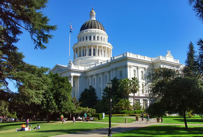 Ban On 'Gay Panic' Defense Passes California Assembly, Heads To Governor