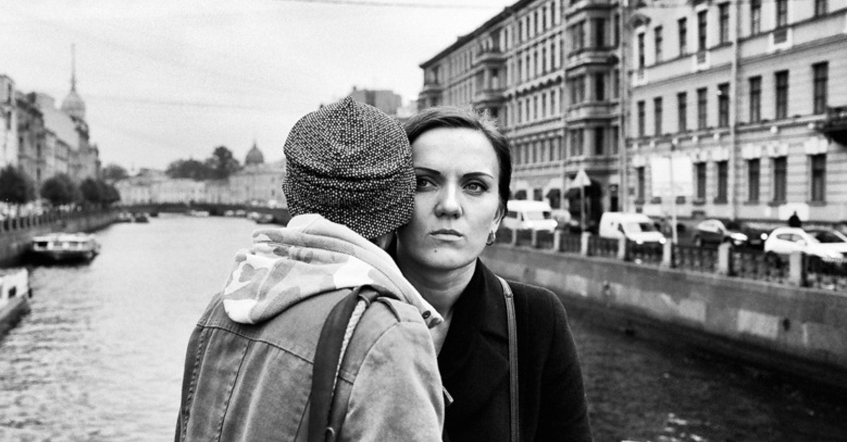 Photographer takes intimate look at a lesbian couple in Russia